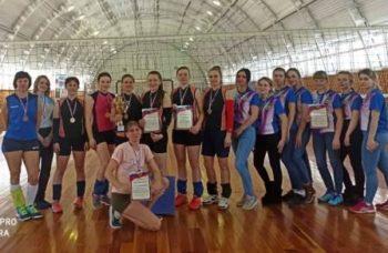 В Международный женский день прошли соревнования по волейболу